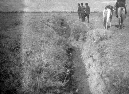 Οι νεκροί Αρμένιοι πετάγονταν σε χαντάκια ή κανάλια. Ο δρόμος προς τη Συρία έγινε ένα απέραντο νεκροταφείο.