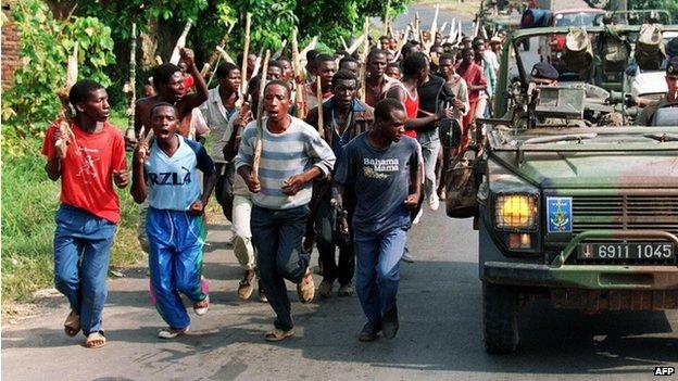 Επί τω έργω. Πηγή: http://www.redpepper.co.ug/kagame-blames-france-catholics-belgium-on-genocide/