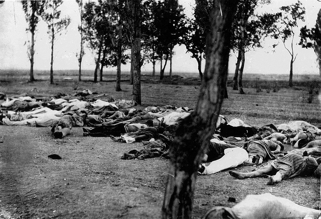Νεκρά γυναικόπαιδα στην περίοδο της αρμενικής γενοκτονίας.
