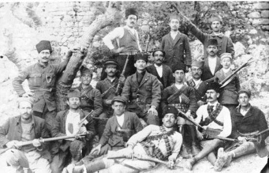 Αρμένιοι αντάρτες – πιθανώς «ανυπότακτοι» - στα 1915 στο όρος Μουσά Νταγ.