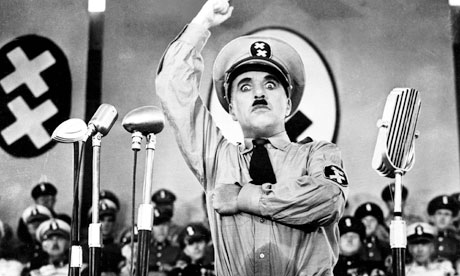 Φωτογραφία: https://www.theguardian.com/film/2010/oct/18/chaplin-great-dictator-comedy